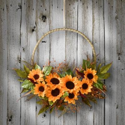 20 in. Artificial Leafy Sunflower Wreath