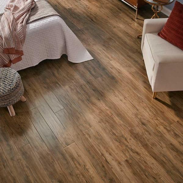 Pergo Outlast 5 23 In W Applewood, Pergo Applewood Laminate Flooring Home Depot