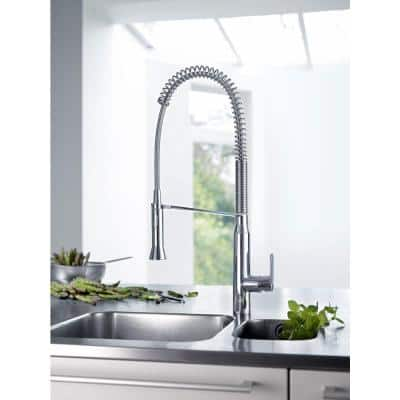 K7 Medium Semi-Pro Single-Handle Pull-Down Sprayer Kitchen Faucet in StarLight Chrome