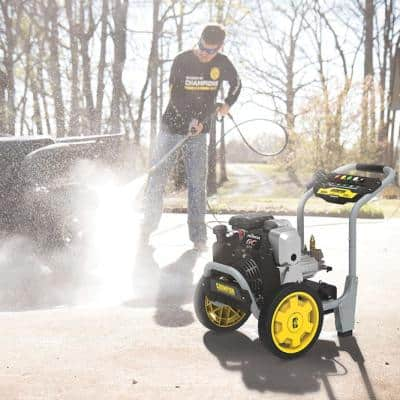 3200 PSI 2.5 GPM Cold Water Gas Pressure Washer with Honda Engine