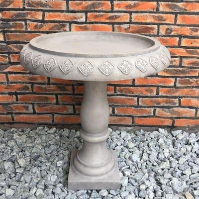Lightweight Concrete Arabesque Diamond Natural Concrete Color Birdbath