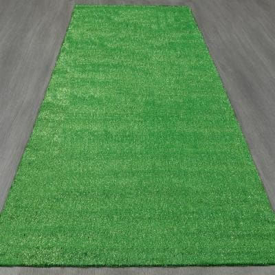 Meadowland Collection 2 ft. 7 in. x 9 ft. 10 in. Artificial Grass Synthetic Lawn Turf Indoor/Outdoor Carpet