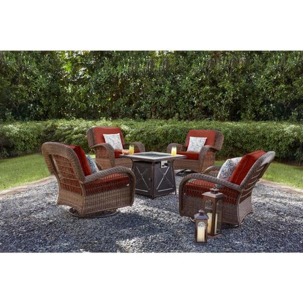 Hampton Bay Beacon Park Brown Wicker Outdoor Patio Swivel Lounge Chair With Sunbrella Henna Red Cushions H014 01510100 The Home Depot