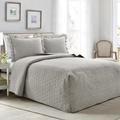 French Country Geo Ruffle Skirt 3-Piece Light Gray King Bedspread Set